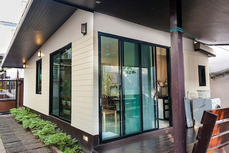 Luxury Bungalow in Bangkok City