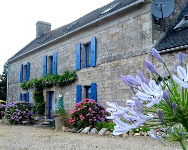 Kerargon Manorhouse : stately comfort family home - Landudec