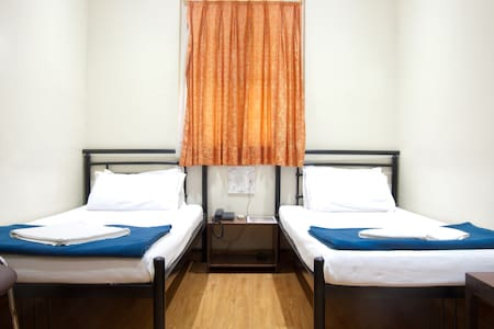 Budget Double Occupancy Room - Mumbai - Szoba reggelivel