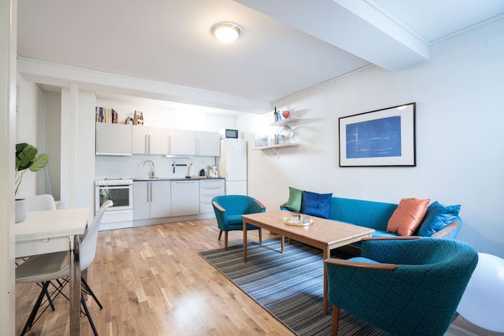 Cozy Central Apartment with Parking Possibilities