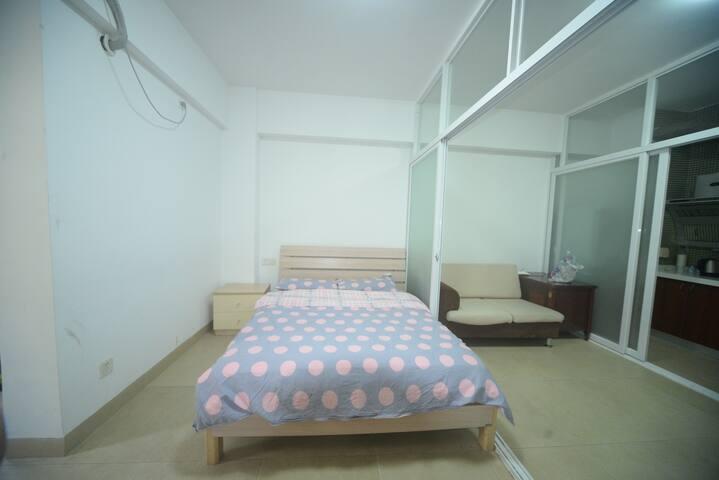 厦门中山路步行街艾家公寓精品吊篮大床2