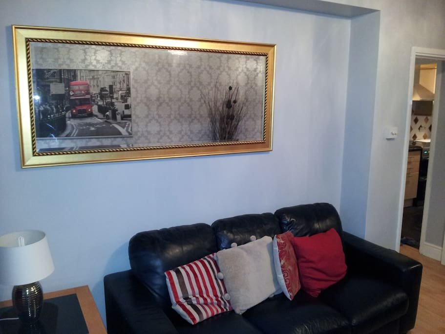 Living Room & Dinning Room (3)