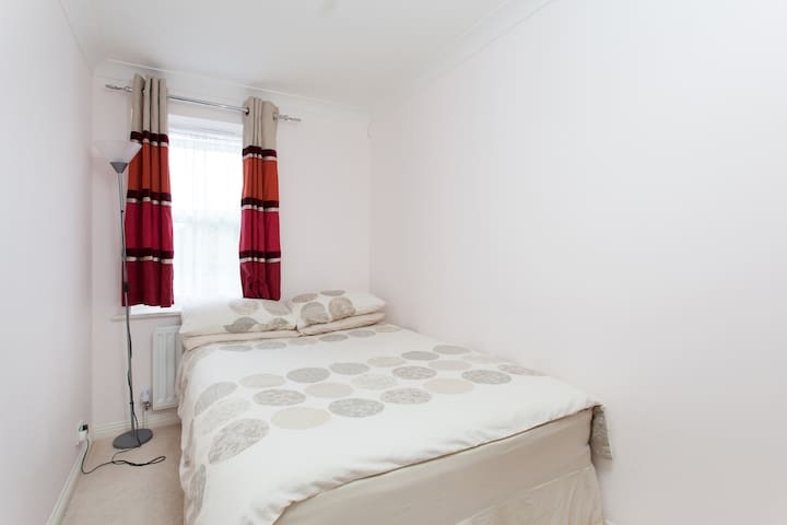 Super Clean Room in Croydon, London - London - Lägenhet