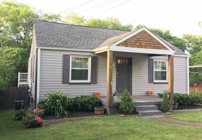 Cozy East Nashville Home, 7 minutes to Downtown