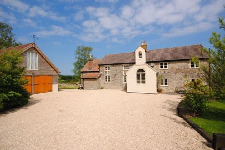 Cosy Self-Contained Annexe in Rural Dorset - Pulham - Bed & Breakfast