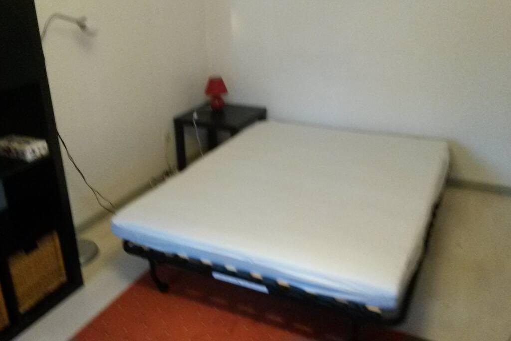 Canapé lit déplié en double lit 140x190