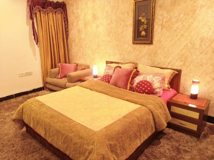 Double bed room in Iraqi-style Villa with garden