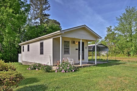 Cozy Camden Home Close to State Park & Town Square