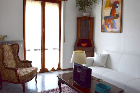 Room near the Outlet in Serravalle Scrivia (AL) - Serravalle Scrivia - Departamento