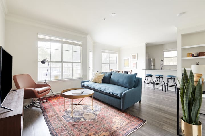 Sonder | South Congress | Modern 2BR + Balcony