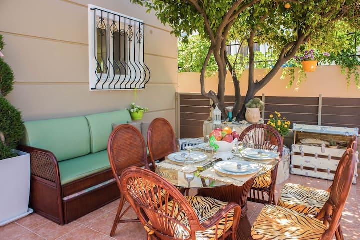 Villa Galatas -Two floor Villa with Private Garden