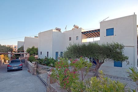 GuestHouse Perdikouli 4 Bed Room, Aliki Paros - Flat