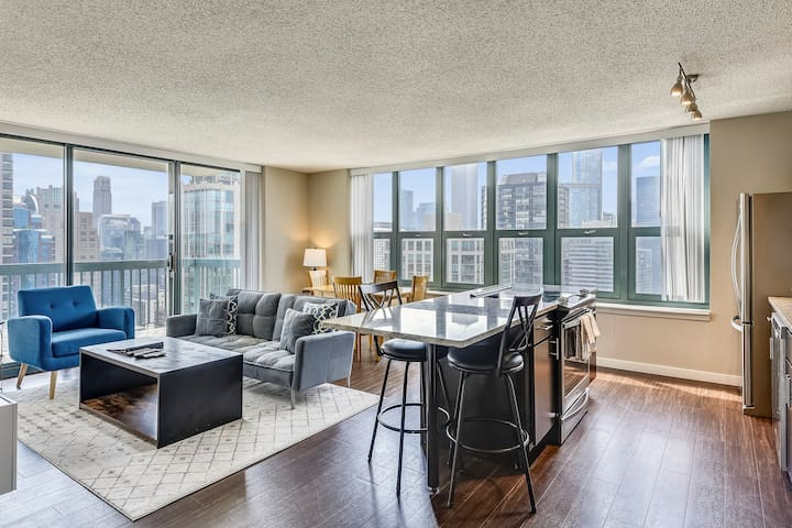 Stunning River North location w/Amazing Amenities!