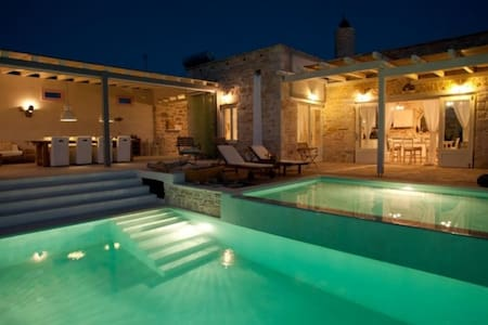 Libyan sea view villa with glass and stone - イラクリオン - 別荘