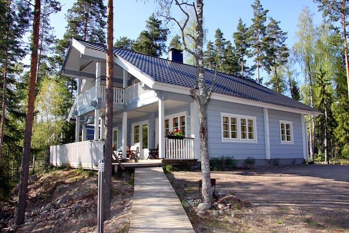 Hyvä huvila Järven rannalla (Saima) - Ruokolahti - Talo