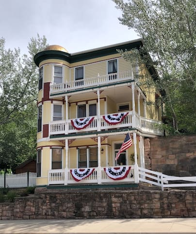 "The ""Historic"" Burdette House - EST. 1891"