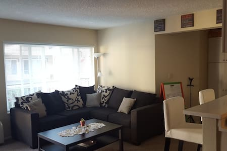 Two Bedroom, Two Bath in Old Town Pasadena! - Pasadena - Wohnung