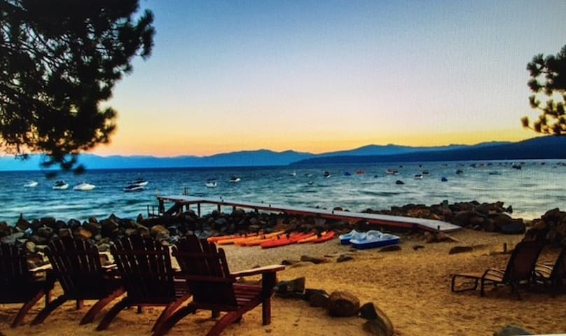 2 B/B N Shore Lake Tahoe Condo w/private beach - Tahoe Vista - Appartement en résidence