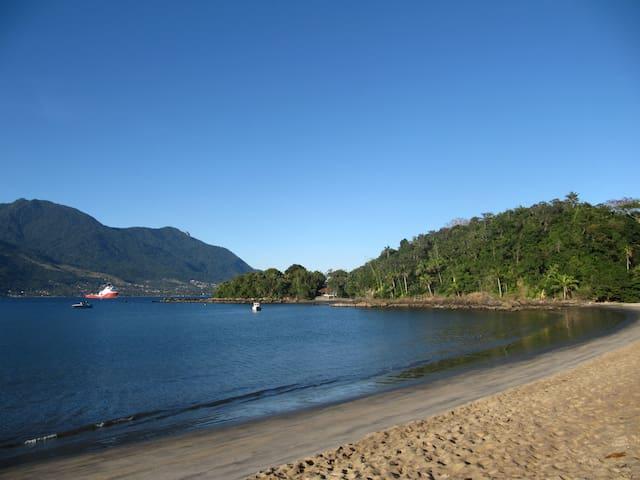 Villa Pitanga - Charming Beachfront