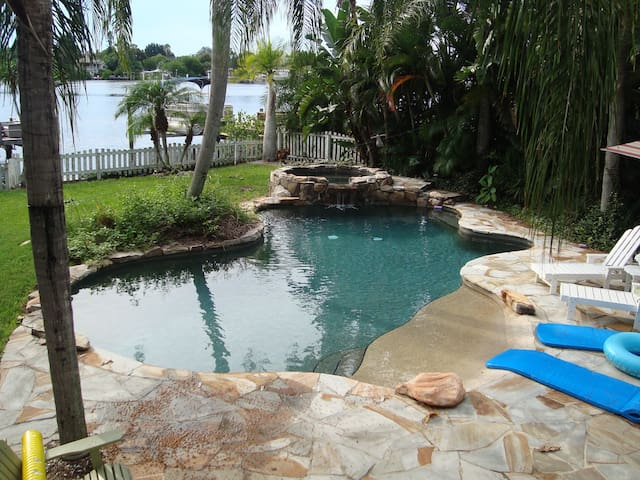 Coastal Living Beach Cottage  - Palm Harbor - Haus
