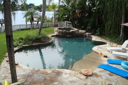 Coastal Living Beach Cottage  - Palm Harbor