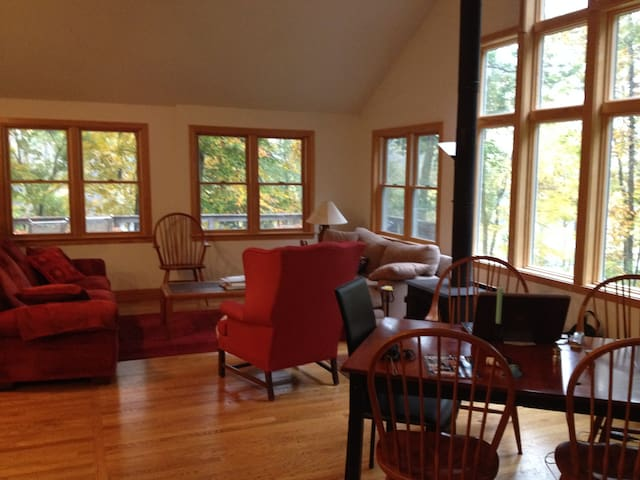 Perfect lakeside Litchfield getaway - Bethlehem - Casa