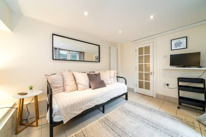 Spacious 3 bed in the heart of Broadway Market
