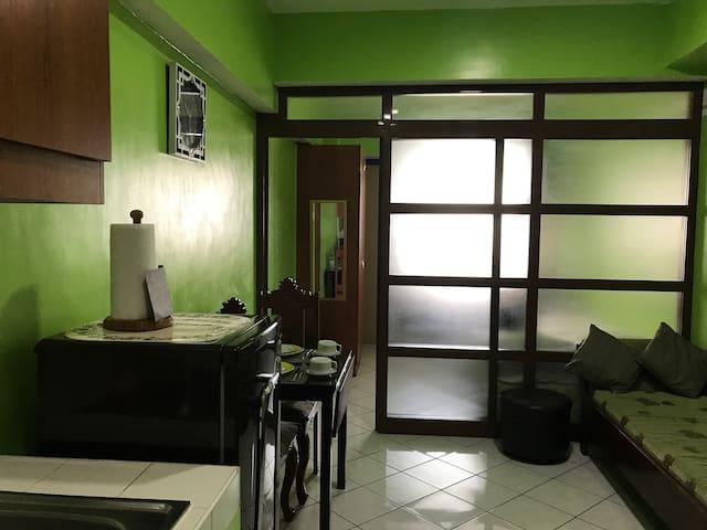 Manila Executive ResidencyEntire Home wifi+TV,PooL