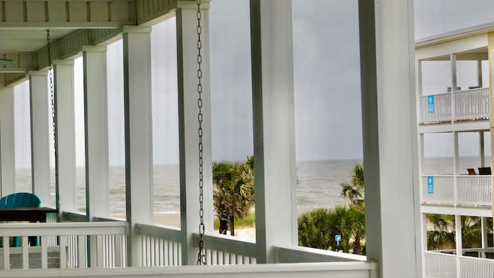 White Cap Ocean Views~sleeps 6~South Beach~TYBEE