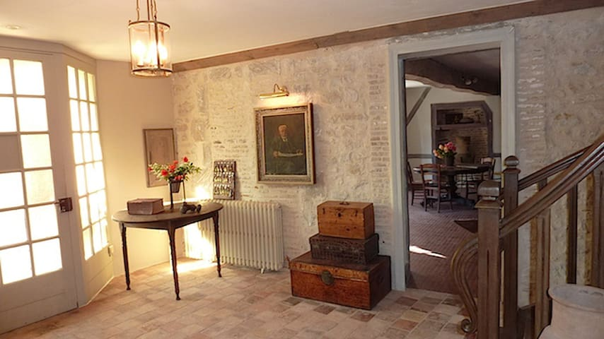 Fantastic Group-Stay (ex) Hotel in Country France! - La Trimouille, Vienne, Poitou-Charentes - Casa