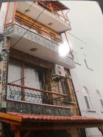 Marmara Birden fazla bölümden oluşan bina