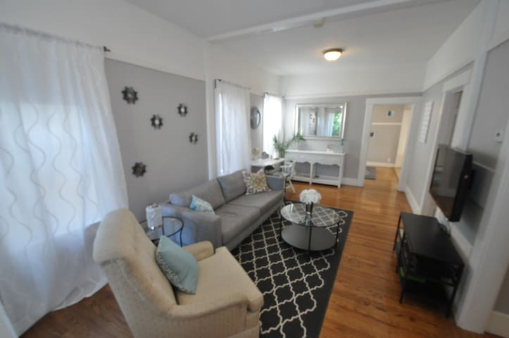 Spacious 3BR remodeled home, centrally located - Emeryville - Talo