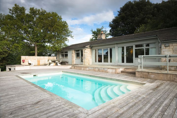 60's poolhouse set in the Cotswolds