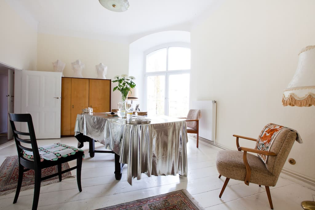 coming home in the heart of berlin flats for rent in berlin berlin germany. Black Bedroom Furniture Sets. Home Design Ideas