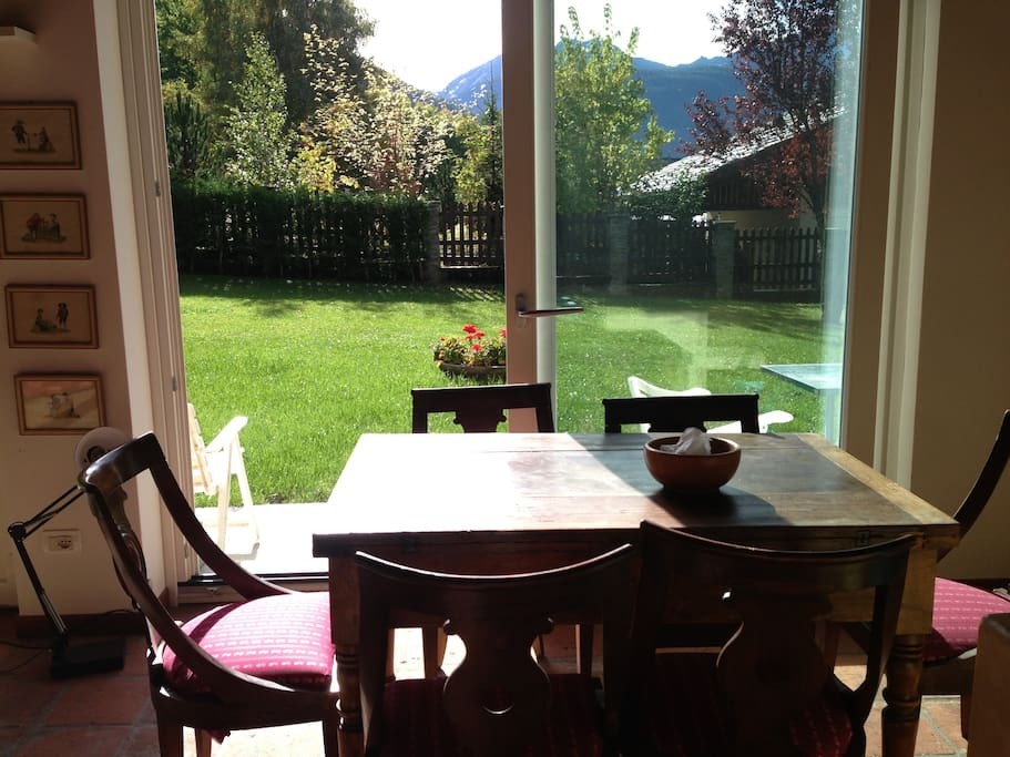 Enjoy the dining room in front of the beautiful private garden. Mountain View.