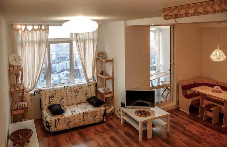 Апартаменты в центре с видом на город Владивосток!