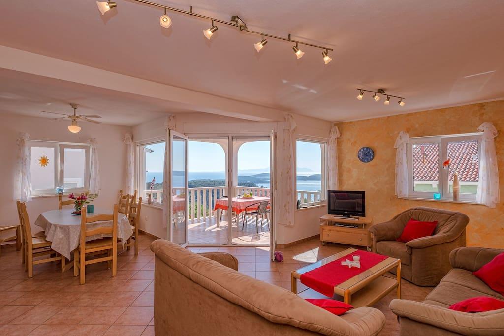 living area , seaviews