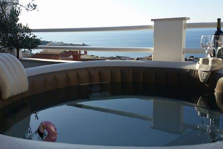 Maslina  i more...(2+1)+Whirlpool +Velika terasa