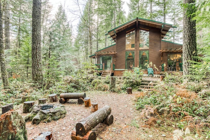 Family-friendly cabin with private hot tub, high-speed WiFi, & wood fireplace