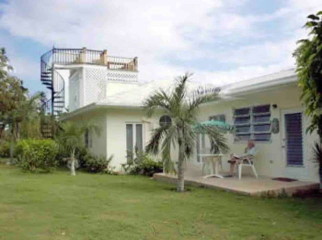 Sirens Cove Harbour Island Bahamas 1 Bed Suite.