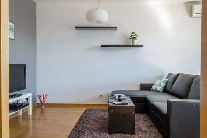 Spacious apt near Arena, 85m2 - 2 BR, free parking - Zagreb - Apartment