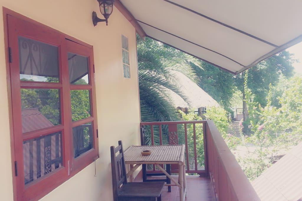 Balcon et vue sur le jardin