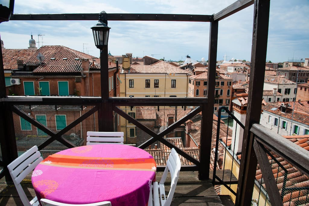 Roof terrace altana with a beautiful view on Venezia.