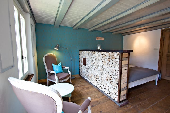 Turquoise Apartment with view to Jungfrau