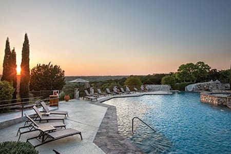 Hunt/Stablewood Springs 1BR Condo - Free WiFi! - Hunt - Timeshare