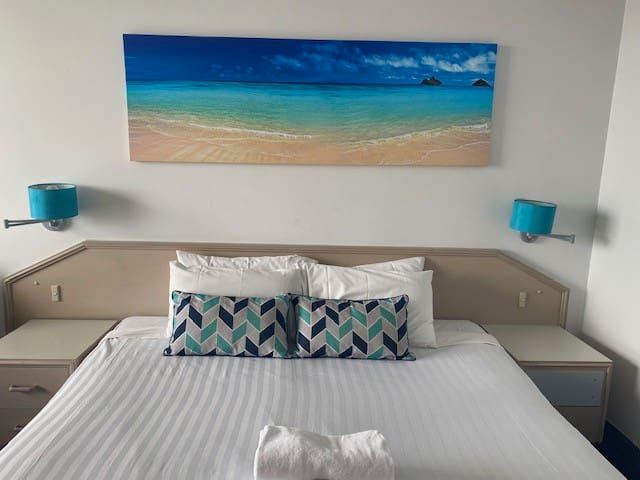 Newcastle East - Queen Room - Beach location