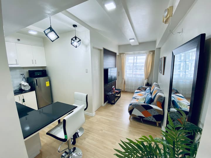 Functional 1-br Space in Amaia + 25mbps + car park