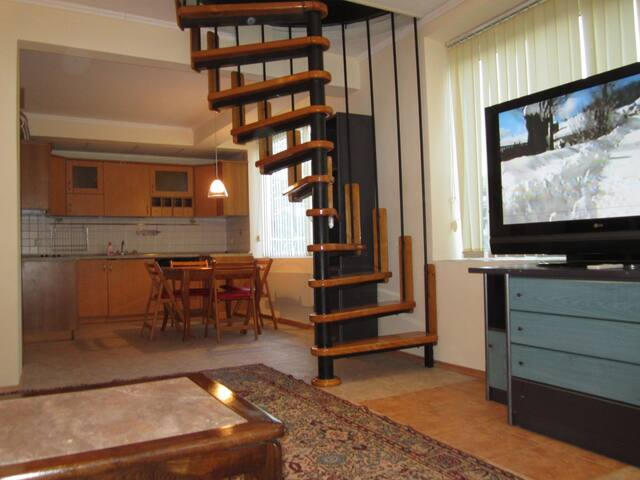 Cozy 2-Bedroom Apartment in Varna Center