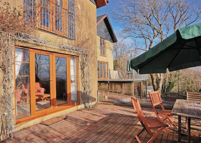 Coastview Cottage