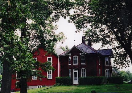 Historic Strawberry Farm Bed and Breakfast
